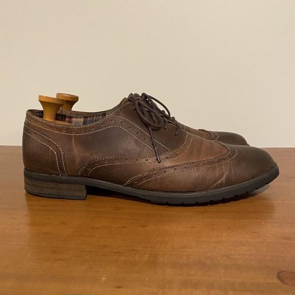 BedStu Distressed Wingtip Oxford Shoes